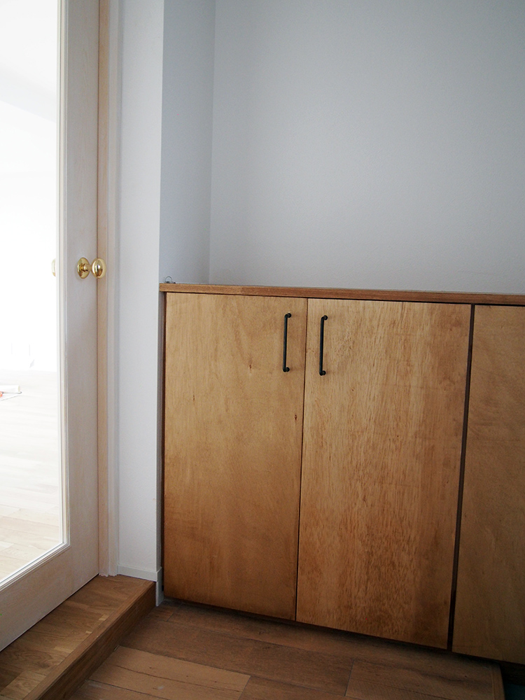 造作下足入で玄関のリノベーション