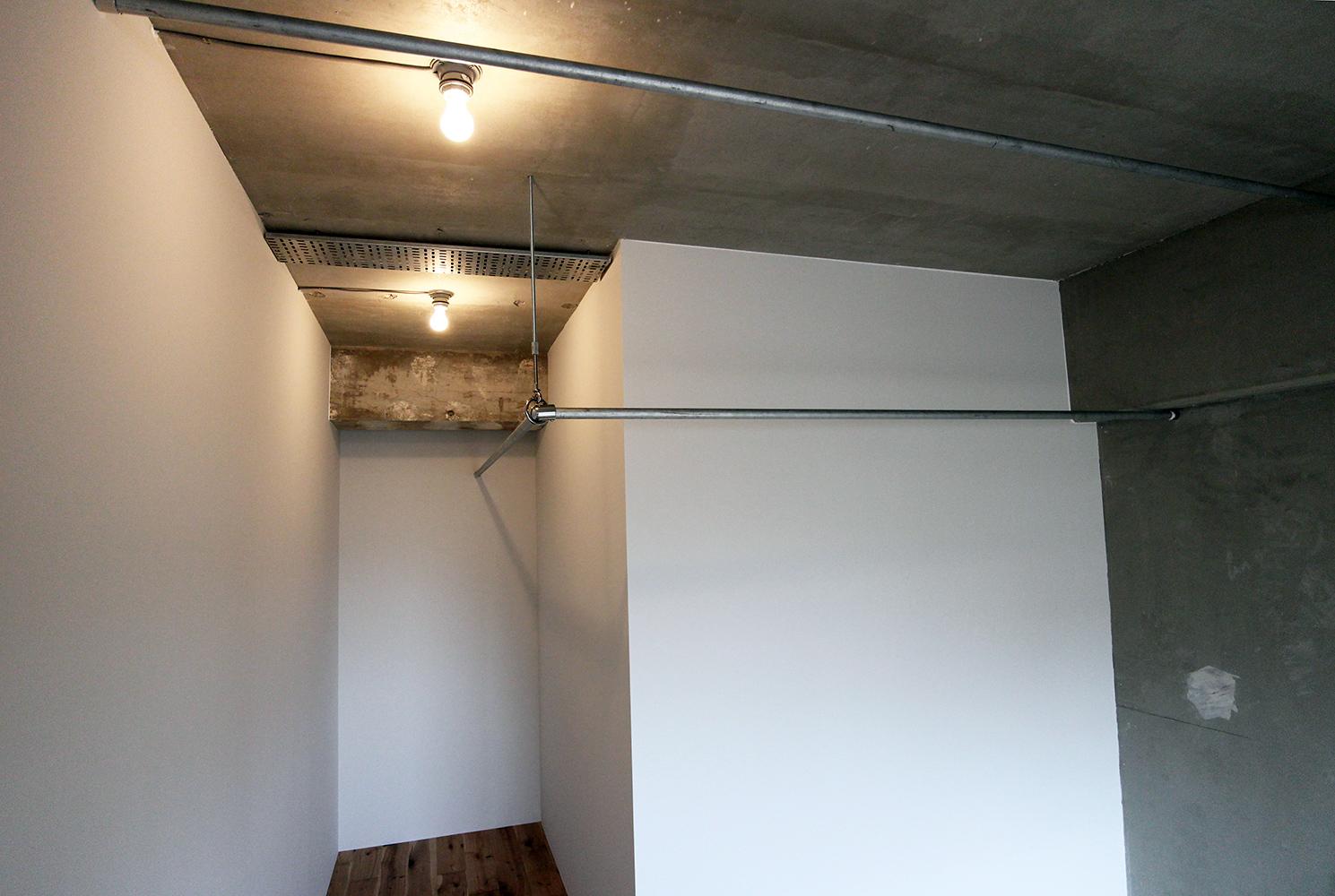 鉄管を使ったインダストリアルな空間